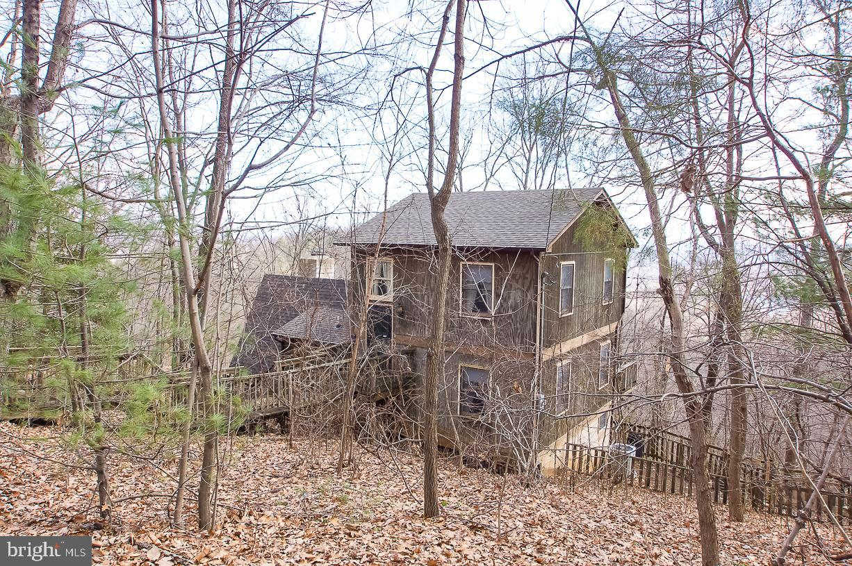 1022 TURKEY RIDGE RD, STANARDSVILLE, VA 22973