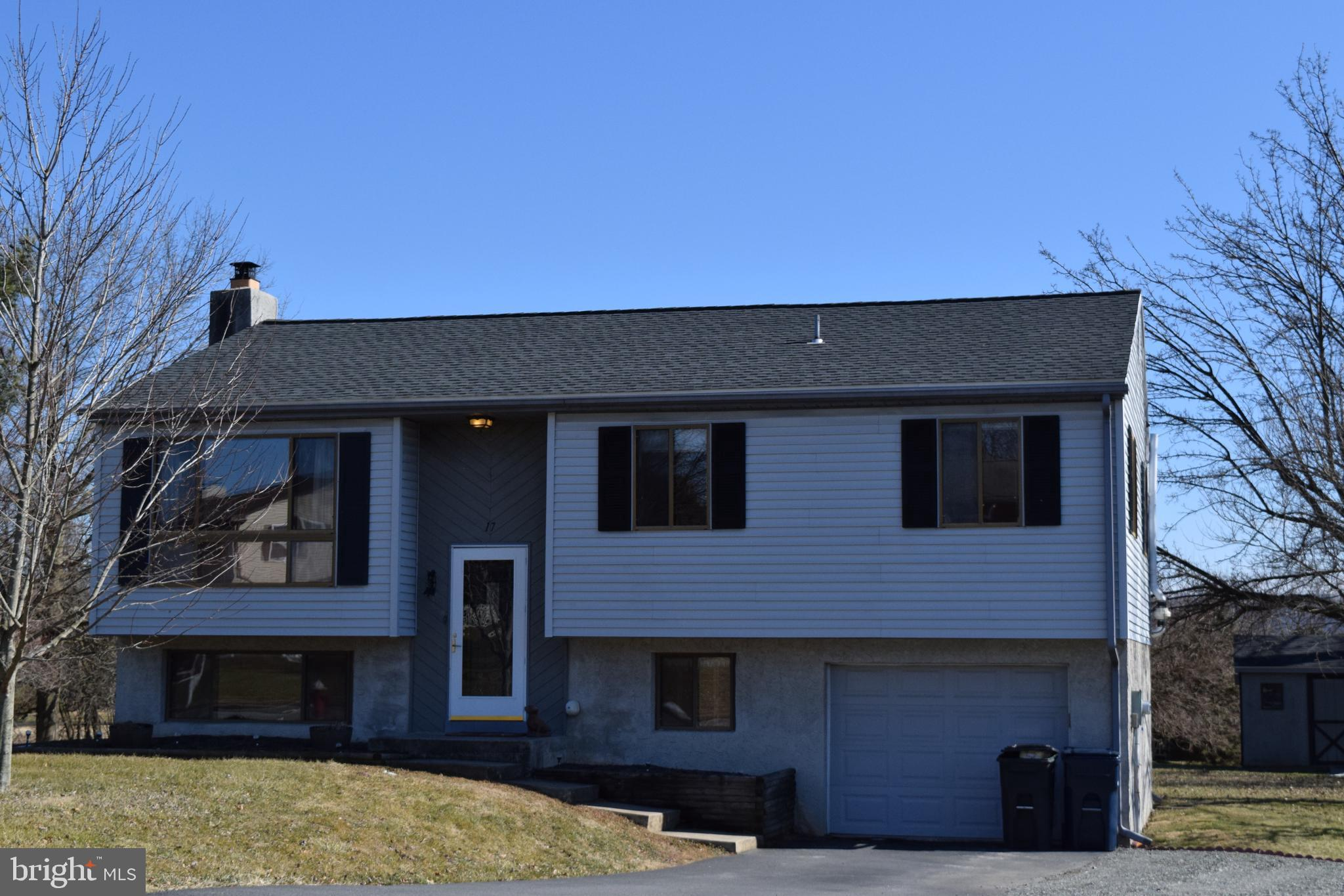 17 CARRIAGE CIRCLE, OLEY, PA 19547