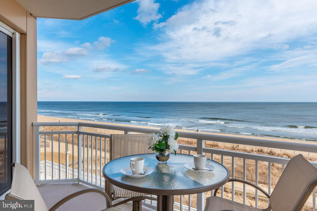 Need a beach condo larger than average 2-3 bedrooms? This one has FOUR BEDROOMS and is a corner/end unit! Envision yourself Oceanfront living in luxury! You've found that with this Gateway Grand condo! Oceanblock Four Bedroom condos are Rare, must less Oceanfront. This is your chance to own a magnificent beach condo in magnificent popular building with amazing amenities - outdoor pool, indoor pool, fitness room, club rooms, secure entry, and more. Stepping inside this turn-key home, you'll be in awe of the end-unit's lavish features - granite, stainless, moldings, master suite, tiled floors and great living space with incredible views from multi-windows and sliders. Decorators spared no cost and had full attention to detail with high-end decorative furnishings to round out this fabulous beach getaway (furnishings available outside settlement). Owners barely used and didn't rent, but it could rent for upwards of $60-$70k (GRI).  And owner financing may be available with acceptable offer. Owner wants it sold, so bring offer - don't be shy!  If you want to own a piece of luxurious beach lifestyle, don't wait and schedule private showing today!