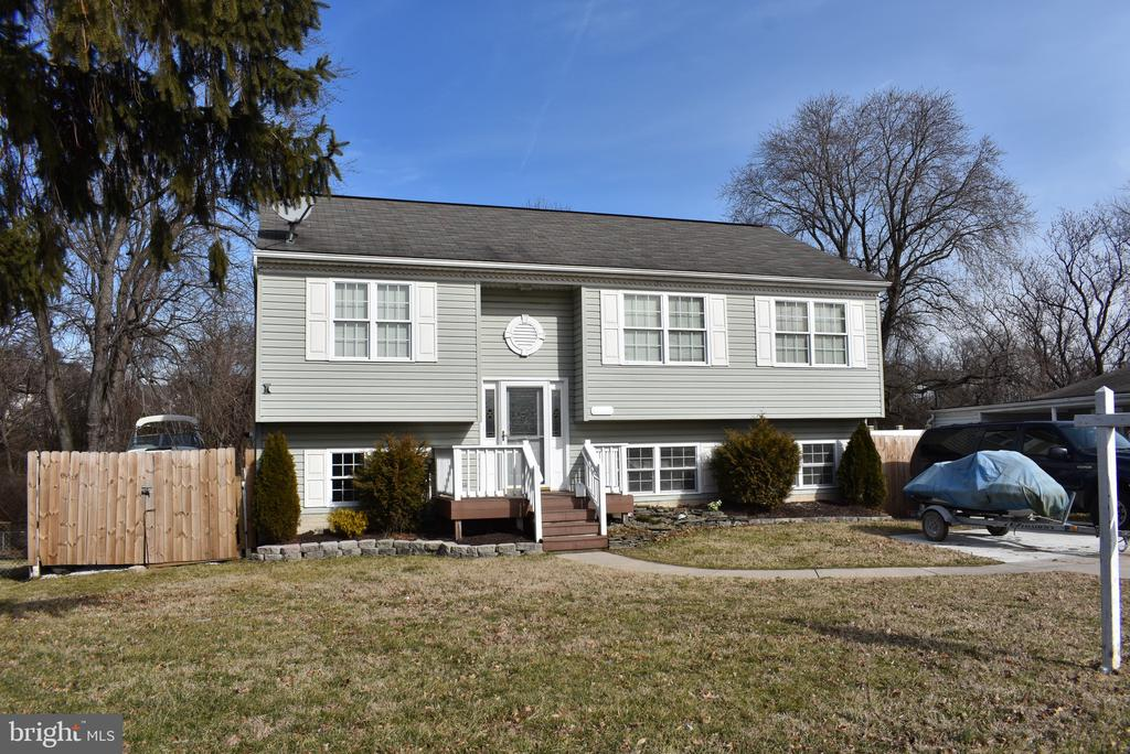 Large Split Level 4 Bedroom 3 Bath Home, Conveniently located close to Schools and Shopping. Just up the street from Merrit Park where you enjoy all that Baltimore County Parks have to offer Boat Ramps, Playgrounds, Fishing just to name a few. This home is ready for you to put your personal touches and make it your own!!! Featuring a Large Family room with access to the rear yard. Sizable Living room for those family/friends get togethers. Large Kitchen (all appliances convey), 6' Jet tub with heater to maintain temperature in Bsmt Bathroom, Rear Deck perfect for grilling or just relaxing while drinking your morning coffee.  New AC System, Freshly  Painted Throughout. Plenty of Parking!