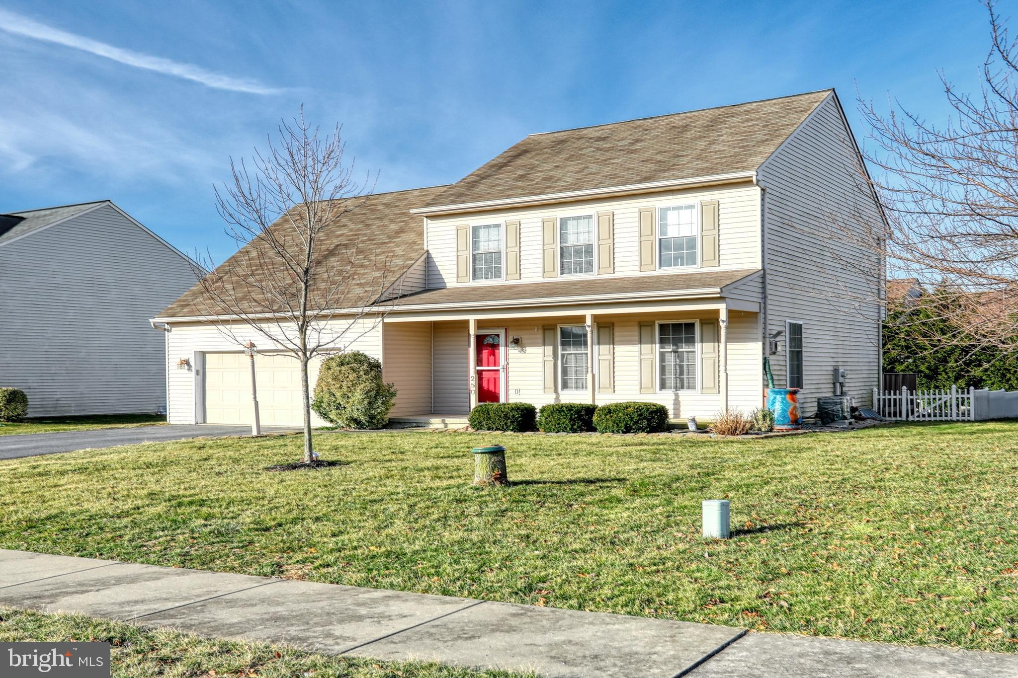 250 OLDE HICKORY ROAD, MOUNT WOLF, PA 17347