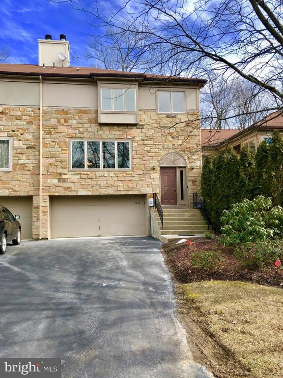 Lawrenceville Nj Condos And Townhomes For Sale Real Ramble