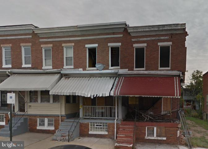 INVESTOR 3 BED TOWNHOUSE in Easterwood neighborhood. Needs Rehab