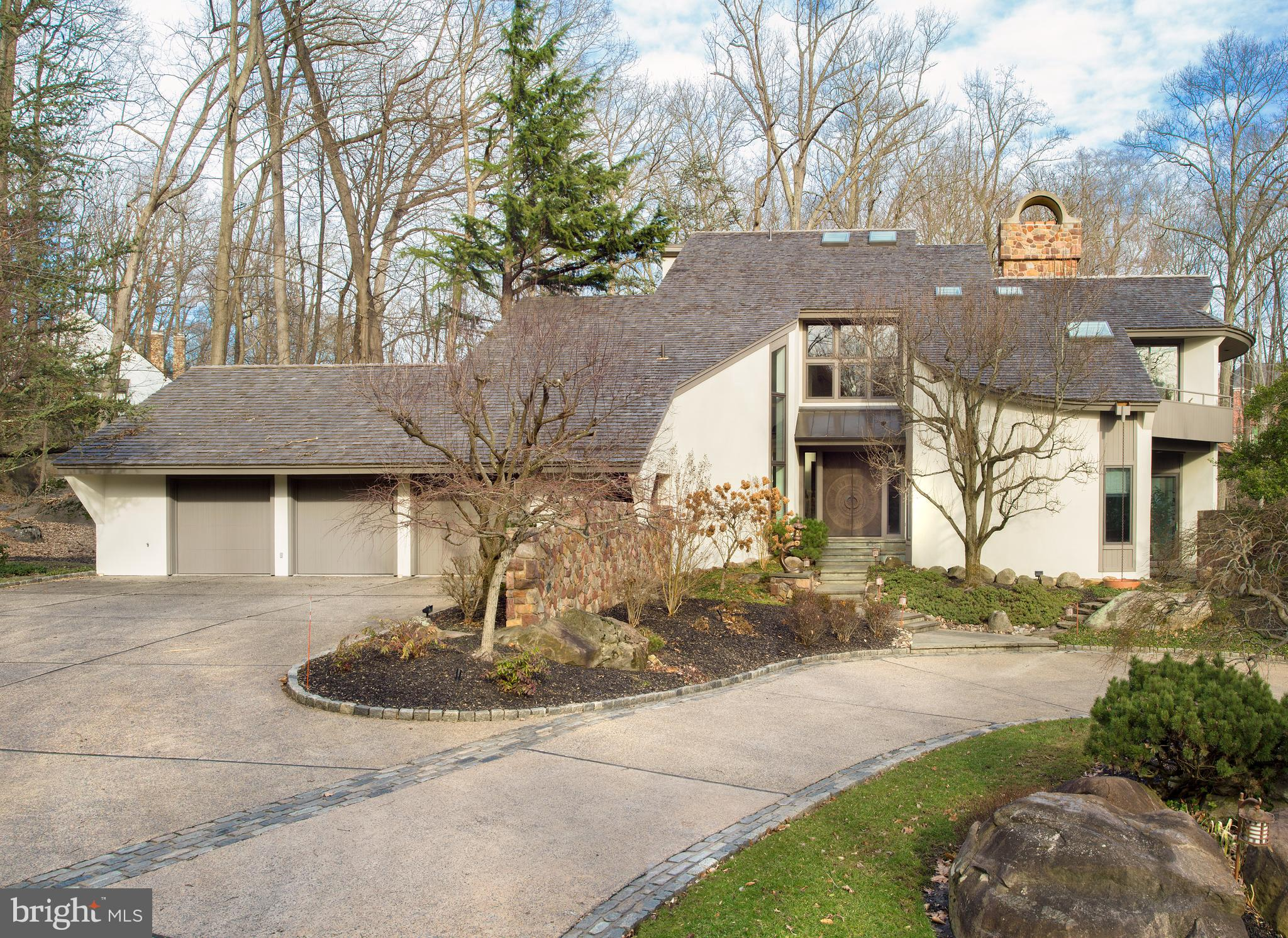 352 POND VIEW ROAD, DEVON, PA 19333