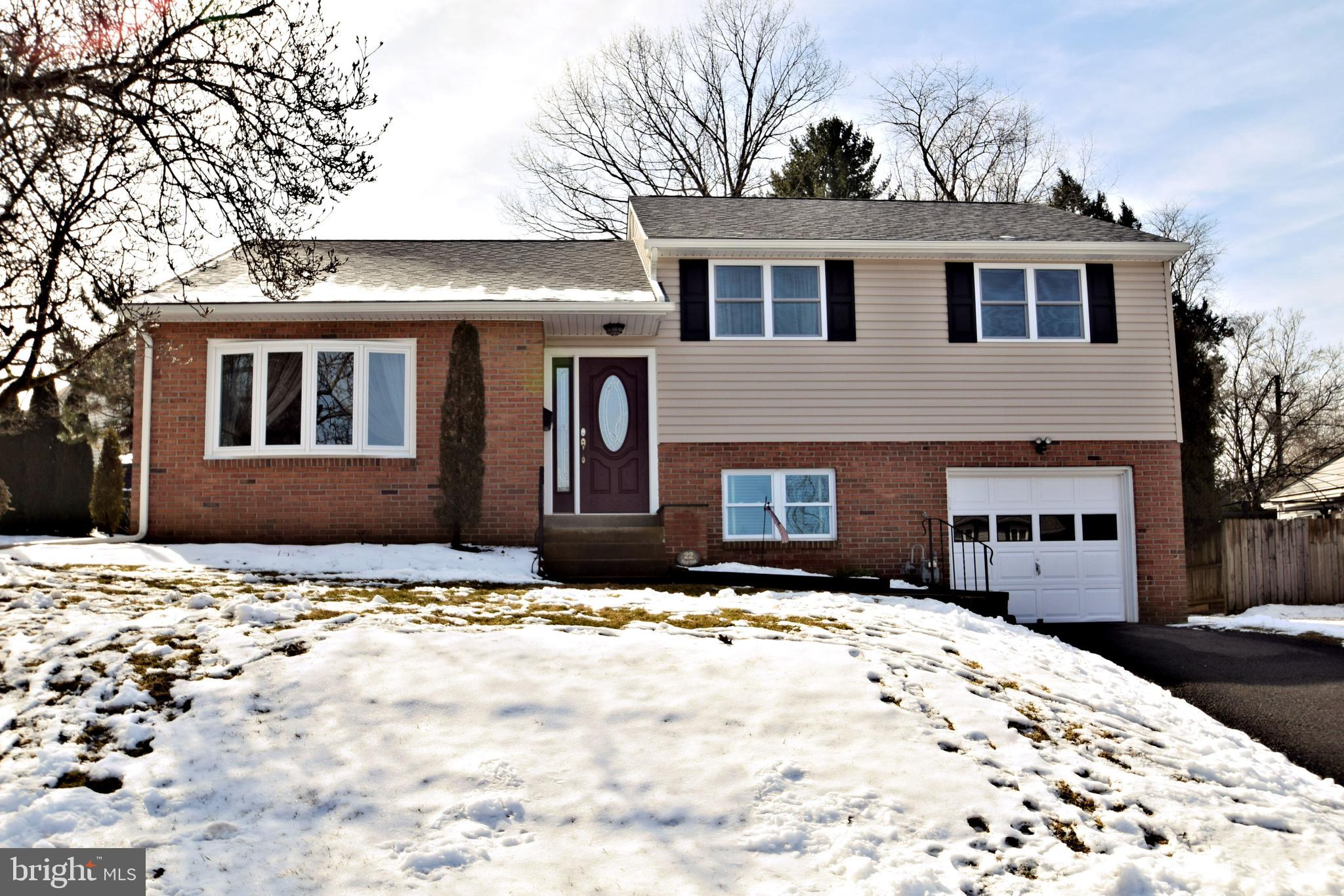 22 RED OAK ROAD, ORELAND, PA 19075
