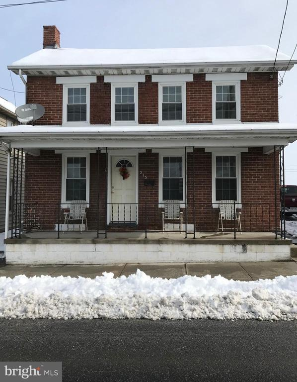 215 N QUEEN STREET Maryland and Pennsylvania Home Listings - Long and Foster Real Estate Inc. Maryland and Pennsylvania Real Estate