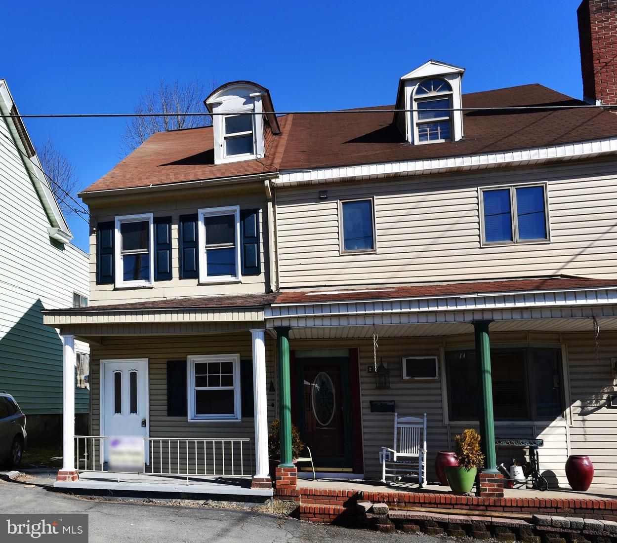402 MARKET STREET, PORT CARBON, PA 17965