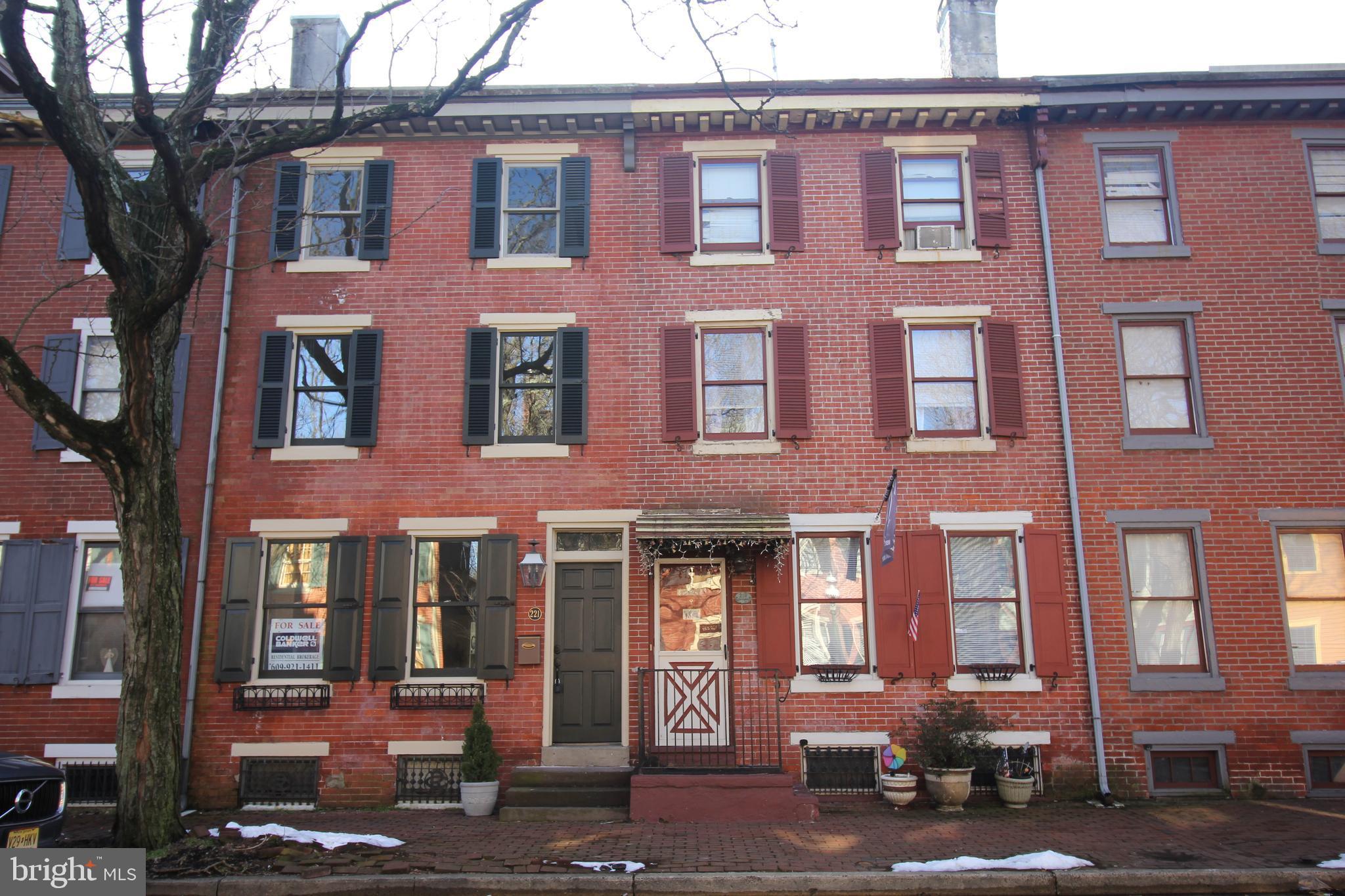 221 JACKSON STREET, TRENTON, NJ 08611