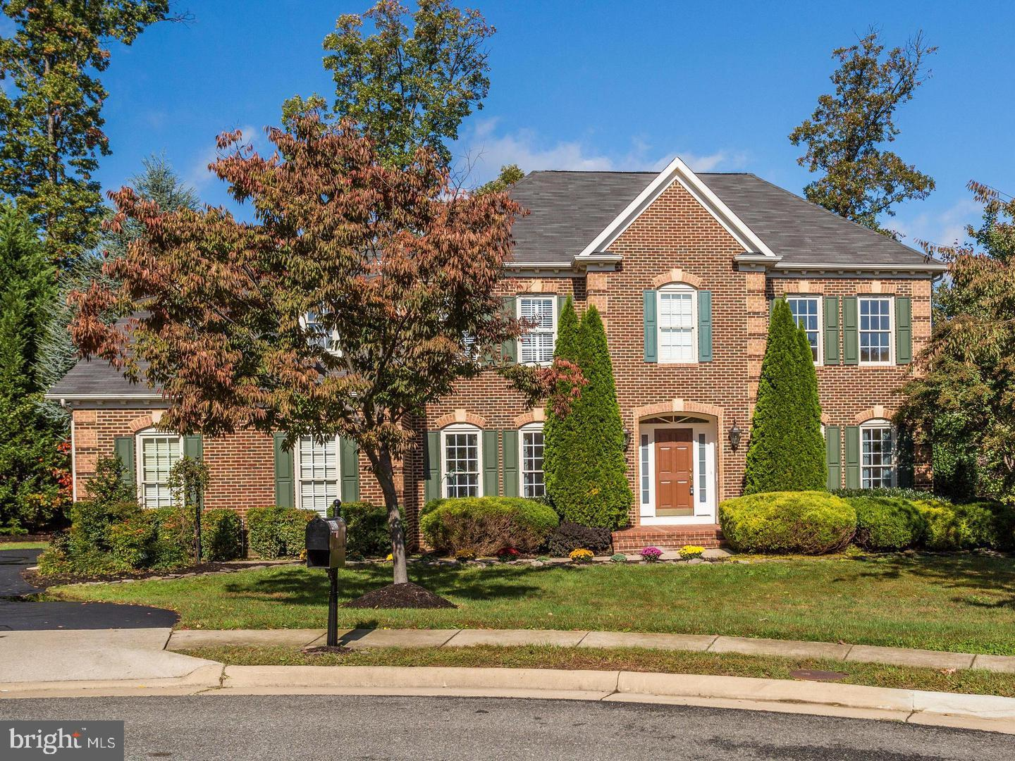 STUNNING LIGHT FILLED COLONIAL W/4 BD, 4.5BA, HRDWD FLRS, OPEN Floor Plan, Wet Bar, Main Level Office/Bedroom,  CHEF'S EAT-IN KIT, FAM RM W/FPL, X-LG REC RM, EXERCISE SPACE, STUDY/OFC, 2 CAR GARAGE, OVER 5000 SF, AND SO MUCH MORE!!! HOUSE IS PERFECT. Agent Related to Seller.  Near Metro, 395, inside Beltway.  Minutes from Amazon HQ2, Downtown DC, Old Town Alexandria,  Thomas Jefferson High School, Harris Teeter, Shopping and more! Get in to this superb community at the lowest price in three years!