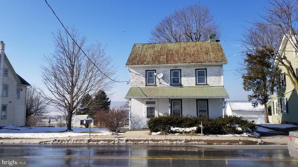 Historic Churchtown location - single home for a great price, this home needs cosmetic updating.  2 bedrooms 2 full baths.  2 car detached garage plus a studio with heat & air conditioning. Updated heating & electrical.  This home will only qualify for Conventional financing.