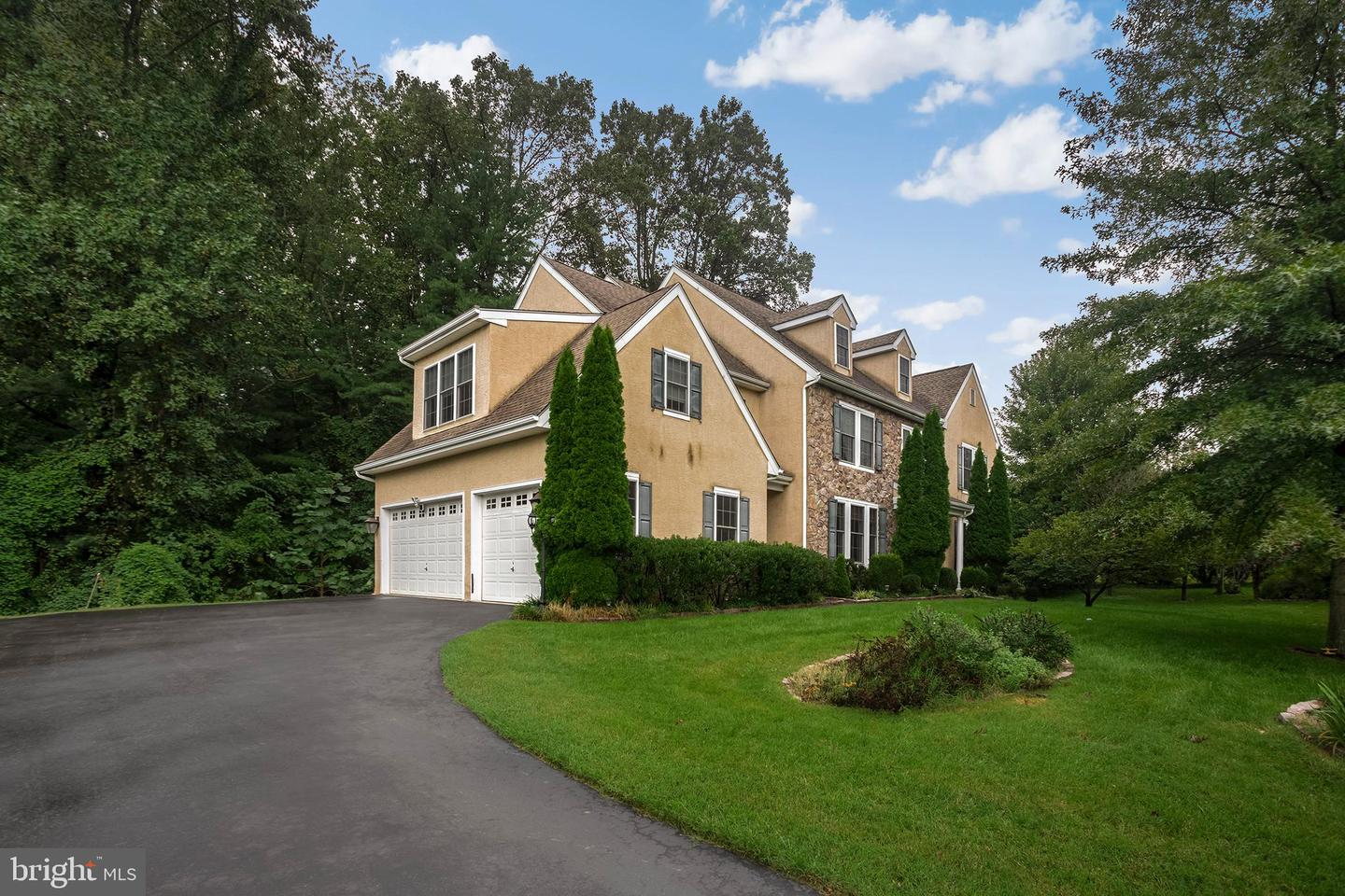 20 Kimberly Way Broomall, PA 19008