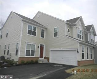 8504 WATERBURY COURT, BREINIGSVILLE, PA 18031