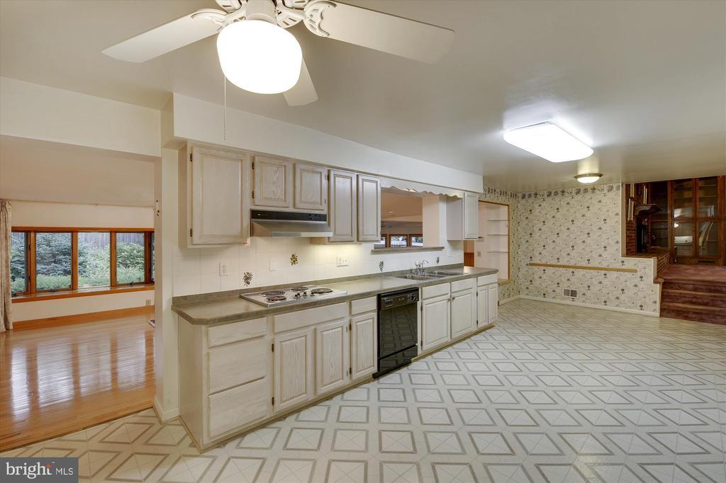 11724 Stonington Pl, Silver Spring, MD 20902