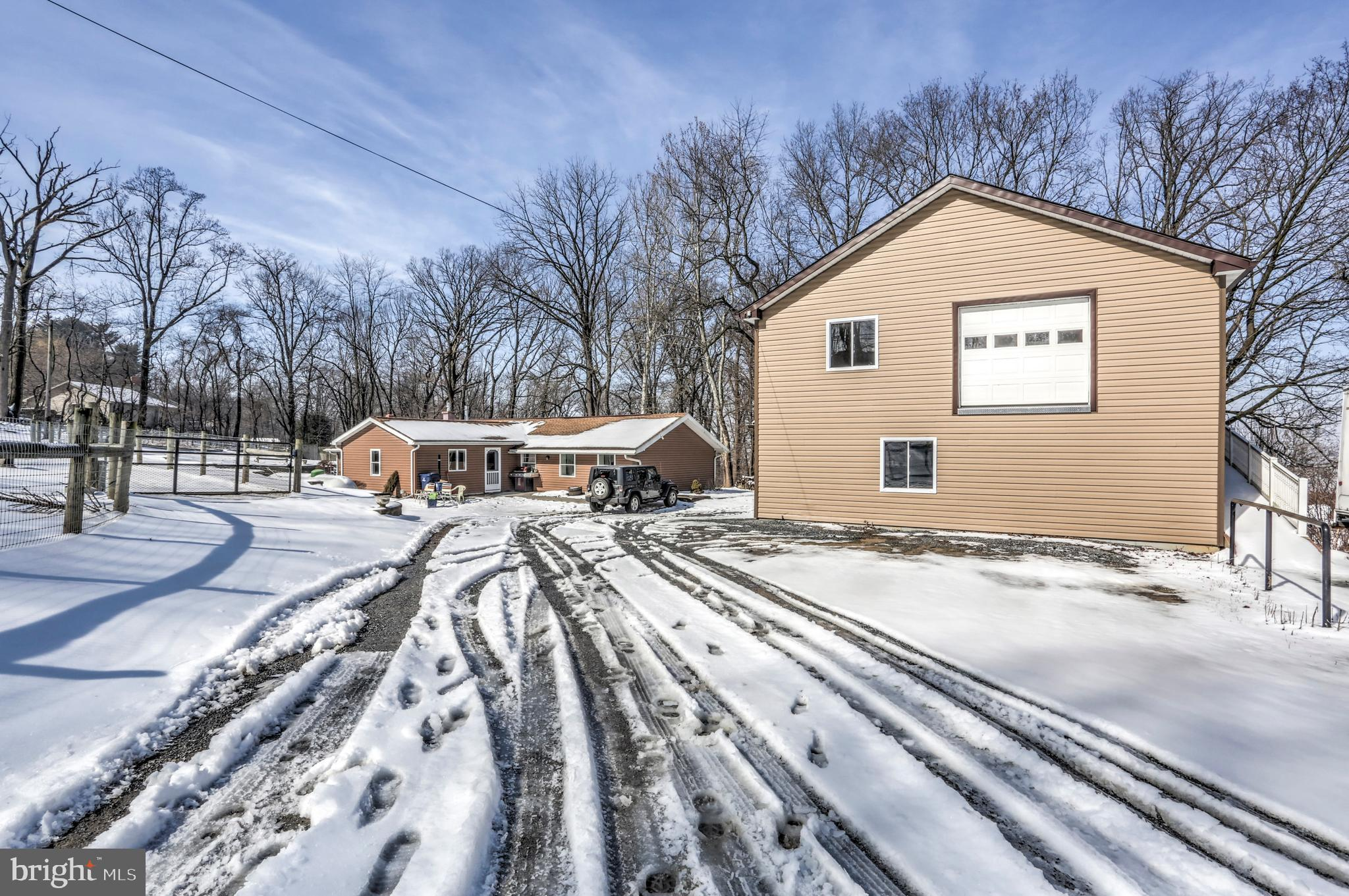 5335 OLD STRASBURG ROAD, KINZERS, PA 17535
