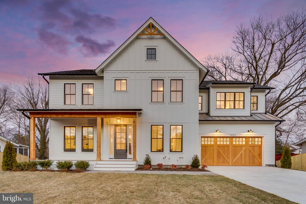 GORGEOUS new Modern Farm house meticulously built w/ quality, character & sophistication by Brush Arbor! Home boasts 5700+ sqft, 5BR, 4.5BA, 2 Car GAR w/ wood door, HardiePlank, 1/4 acre lot fenced, & prof. landscaping. Top notch finishes including designer light fixtures, reclaimed wood beams, shiplap, 7in matte white oak floors, 10ft ceilings, extensive trim & built-ins, quartz counters, & more!