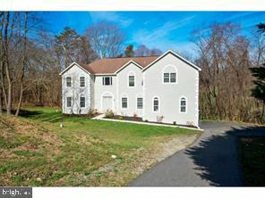 209 VETERANS DRIVE  Home Listings - John and Mary Luca Hockessin, Greenville, Newark, Middletown, Bear, North Wilmington, Wilmington, Brandywine Hundred, Pike Creek, Smyrna, Townsend, Dover, Rehoboth, Bethany, Lewes, Milford, Malvern, Avondale, Landenberg