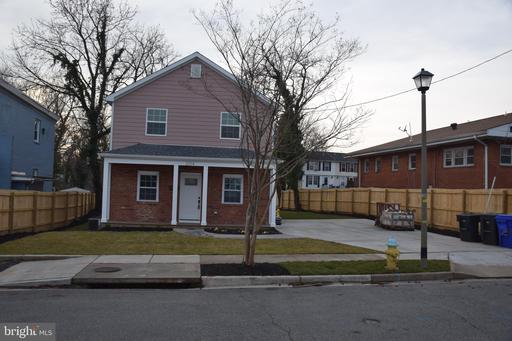 2014 S Langley St, Arlington, VA 22204