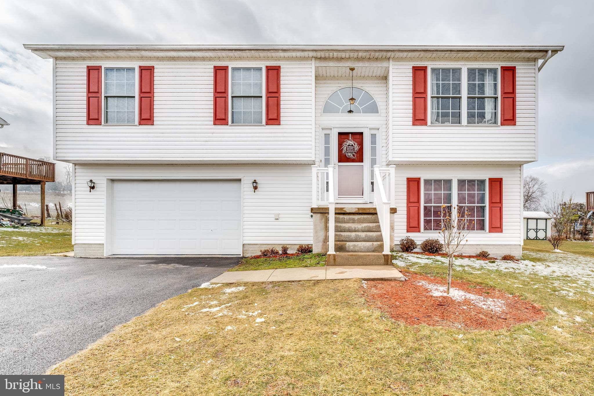 109 MULBERRY LANE, WARDENSVILLE, WV 26851