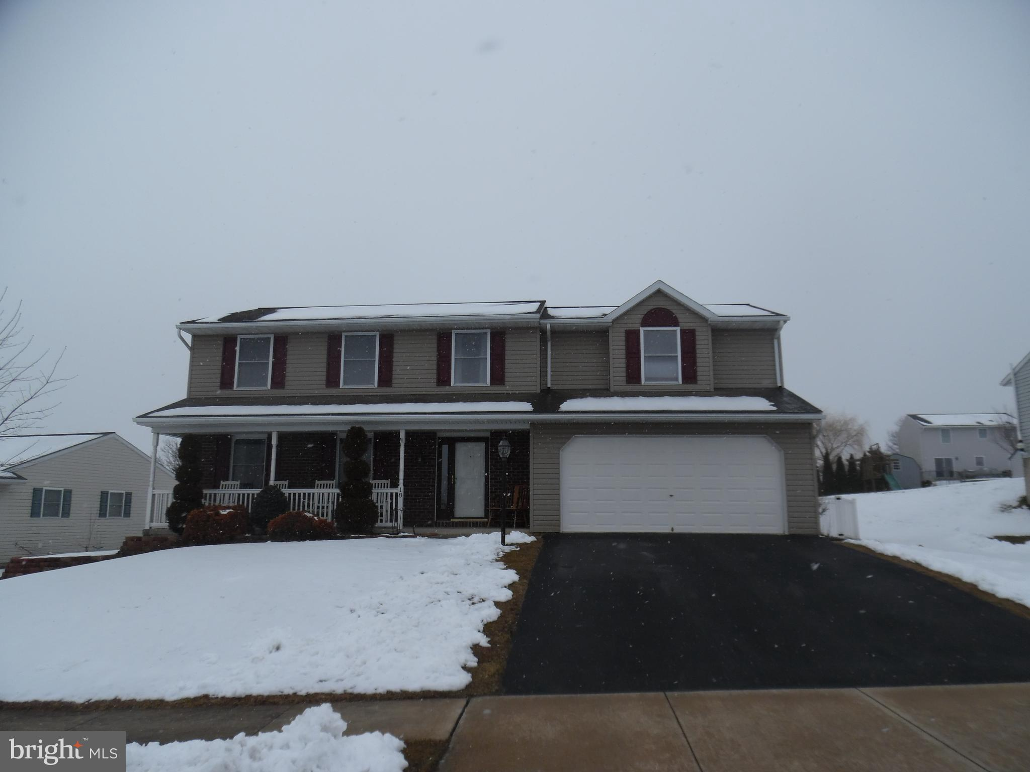 18 CENTRAL DRIVE, NEWMANSTOWN, PA 17073