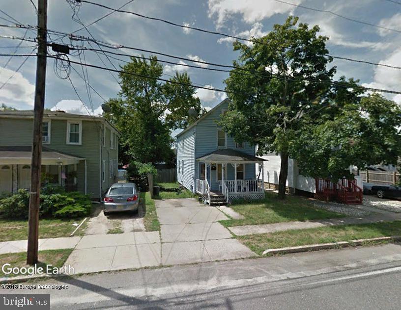 32 PINE STREET, LAKEHURST, NJ 08733