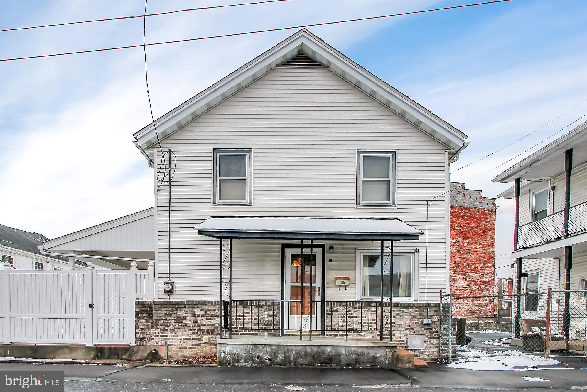 10 S CRESCENT STREET, TREMONT, PA 17981