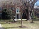 6515 Potomac Ave #B1