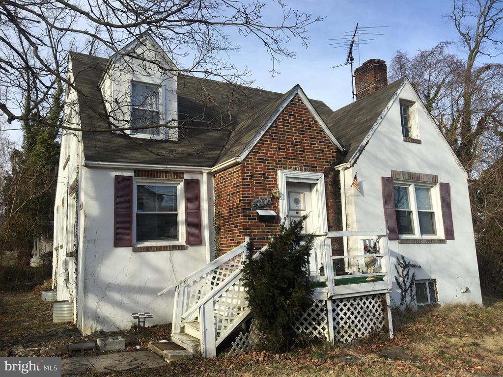 Single family home siting on a nice size lot.  House needs TLC but has a lot of potential.  Within few miles from Morgan State University, Loyola College and Johns Hopkins University.  Carpet and  Central heating was installed about two years ago.