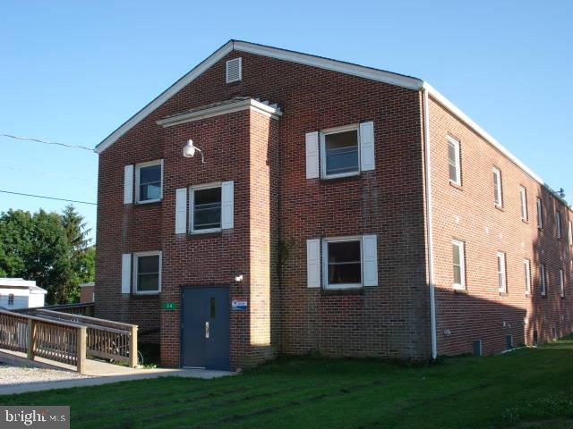 24 MIDDLE SPRING AVENUE, SHIPPENSBURG, PA 17257