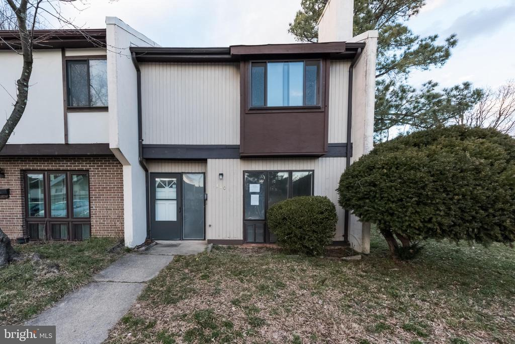 1300 Wexford Ct