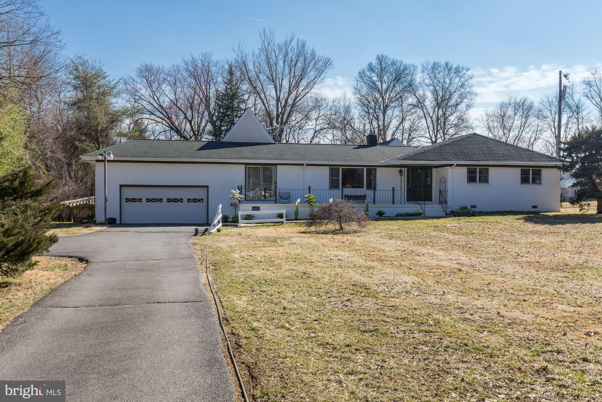 19580 YOUNGS CLIFF ROAD, STERLING, VA 20165