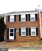 Well maintained TH in a GOOD LOCATION,  GOOD SCHOOLS, Quiet Neighborhood; Brick front, Hardwood floors in foyer and kitchen. Open floor plan. Walk out Fully finished basement with large Rec room to fenced backyard. Large storage rooms. Ready to move in! Close to Braddock Rd, I 495, shoppings, more...