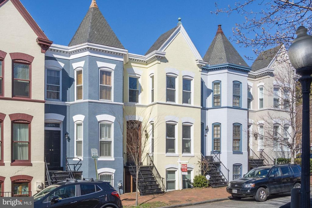NEW LISTING IN GEORGETOWN'S EAST VILLAGE!  1900 VICTORIAN SHOWS BEAUTIFULLY!  TOTALLY UPDATED THROUGHOUT W/NEW HVAC YET ALL THE CHARM OF HISTORIC GEORGETOWN LIVING: GORGEOUS MOLDINGS, HIGH CEILINGS, OVERSIZED WINDOWS, ENGLISH BASEMENT (W/SEP ENTRANCE) & REAR PATIO!  STEPS FROM ALL THAT GEORGETOWN HAS TO OFFER: PARKS, SHOPS, RESTAURANTS & WATER FRONT!  A MUST SEE!
