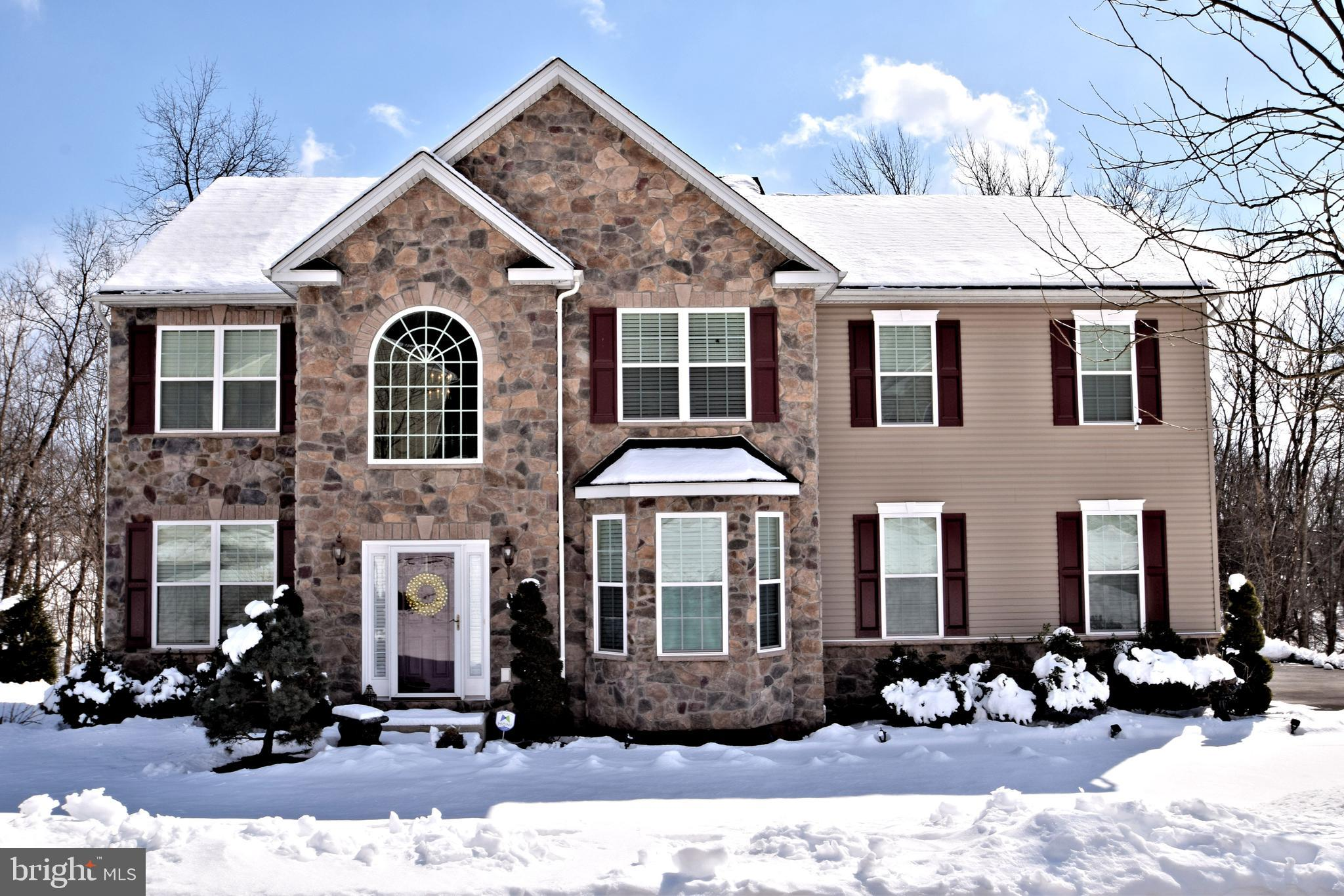 1044 VICTOR DRIVE, EAST GREENVILLE, PA 18041
