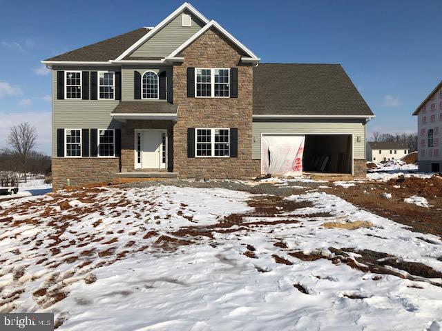 215 PARKWAY DRIVE, MOUNT HOLLY SPRINGS, PA 17065