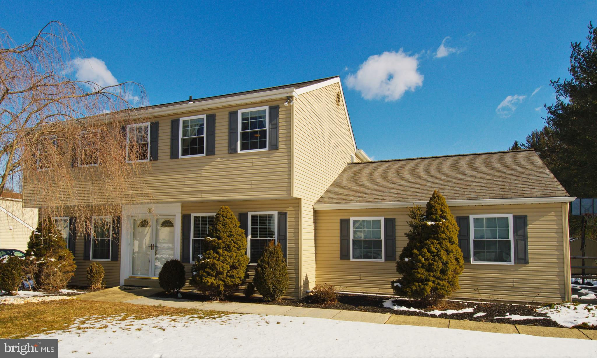 26 E RIDGE CIRCLE, UPPER HOLLAND, PA 19053