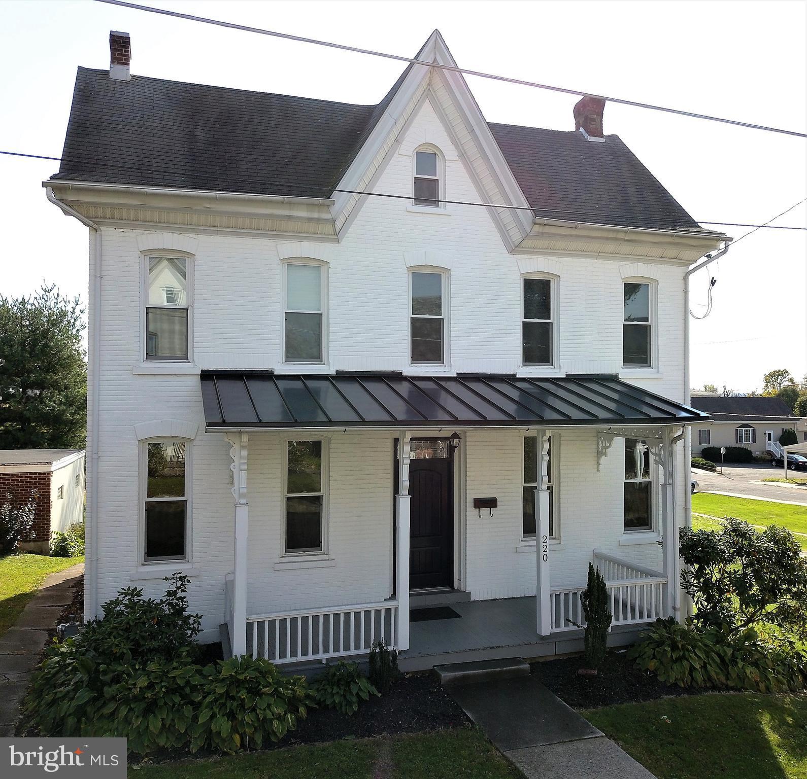 220 3RD STREET, EAST GREENVILLE, PA 18041