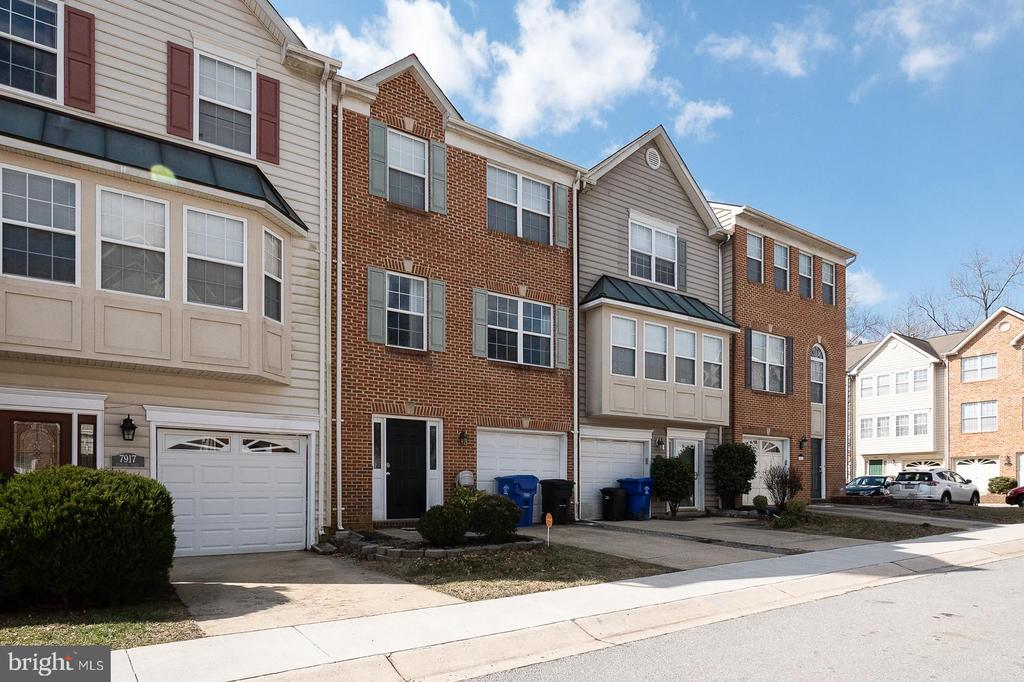 7915 BARCLAY PLACE #, WHITE PLAINS MD 20695