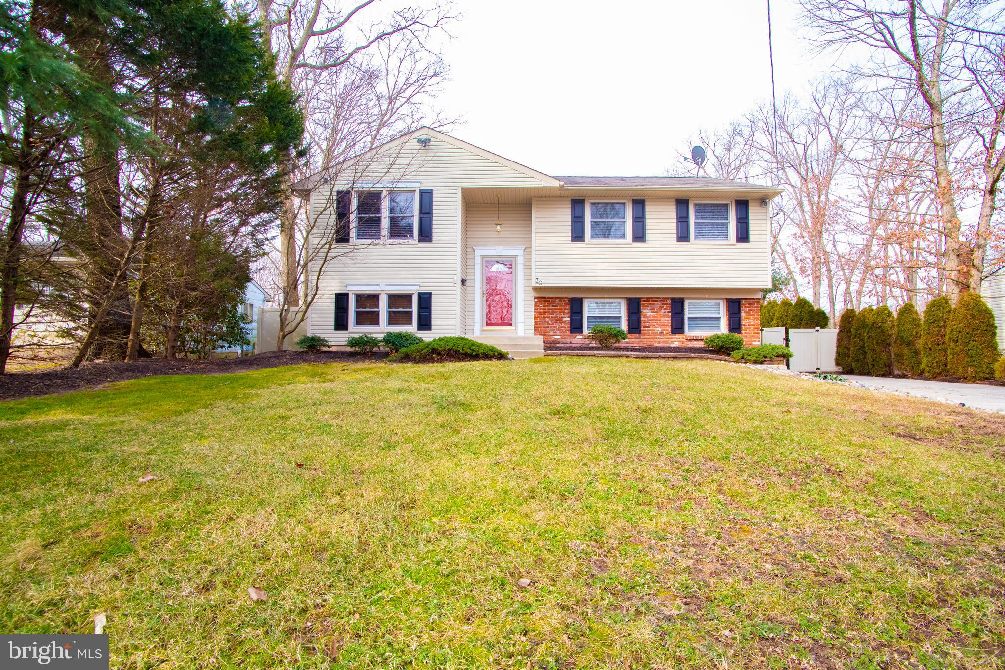 30 WHITE BIRCH ROAD, TURNERSVILLE, NJ 08012