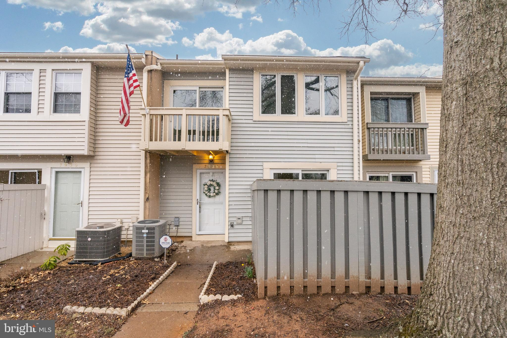 Quick access to Fairfax County Pkwy, 95, 395 & 495. 2 level townhouse, open and full of light. Balconies off living room and master bedroom. Large grass area and playground in community. Wood floors on main level, new carpet upstairs. Entire townhouse freshly painted. Basement is laundry & storage.