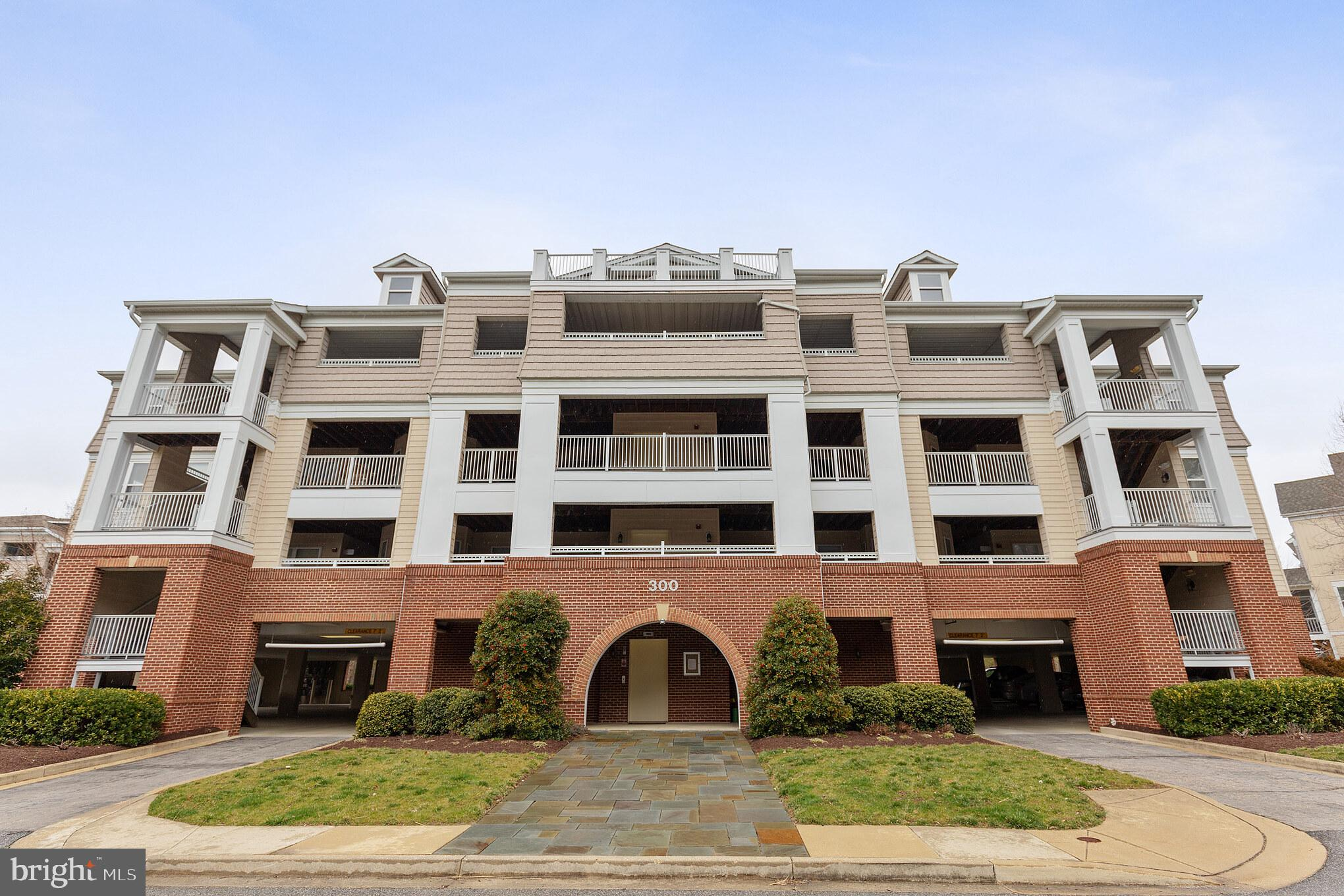 334 OYSTER BAY PLACE 401, DOWELL, MD 20629