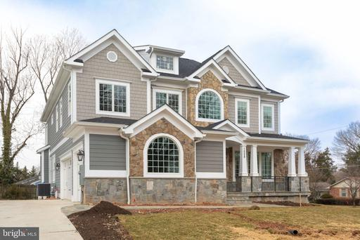 1528 Wrightson Dr, McLean, VA 22101