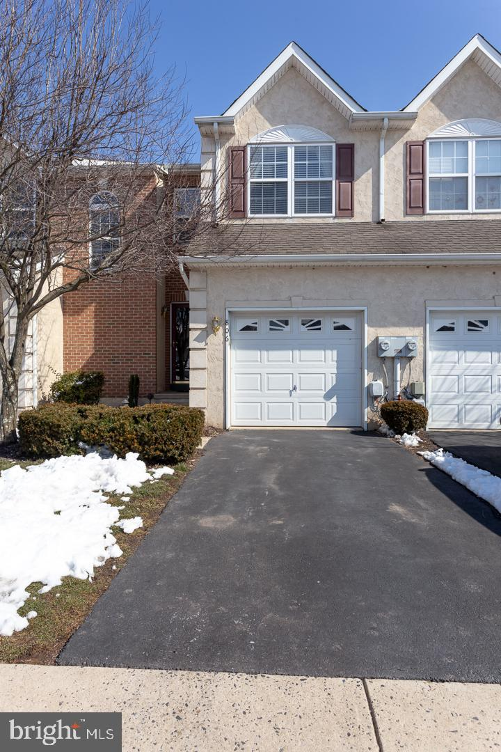 806 NEWCASTLE DRIVE, RED HILL, PA 18076