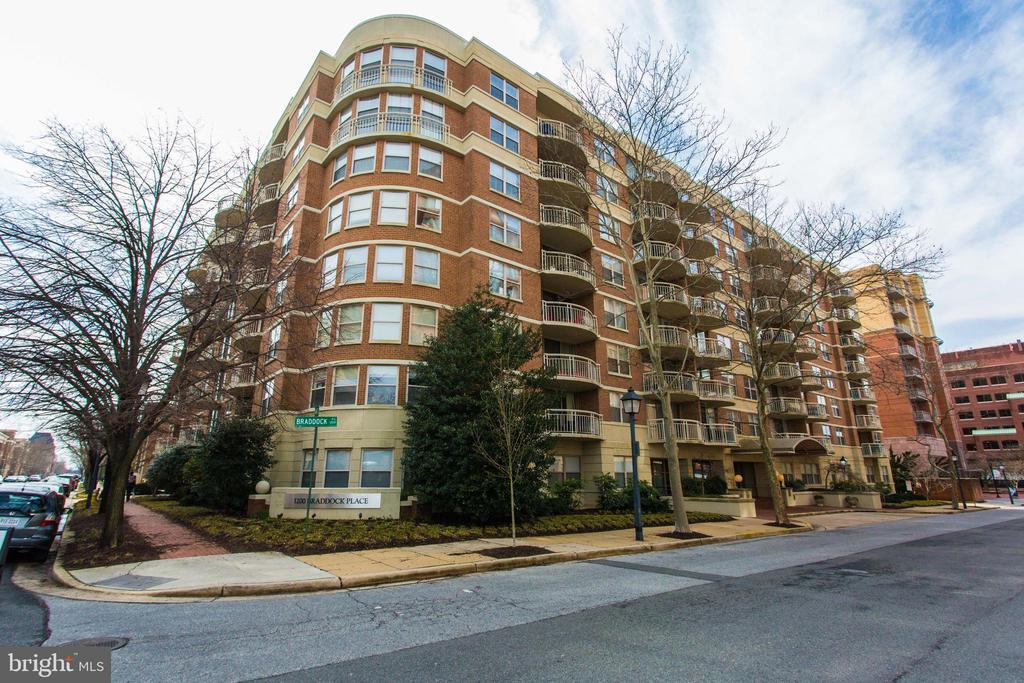1200 Braddock Pl #305, Alexandria, VA 22314