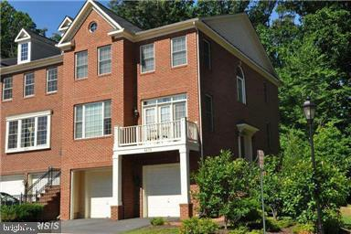 4470 Black Ironwood Dr, Fairfax, VA...