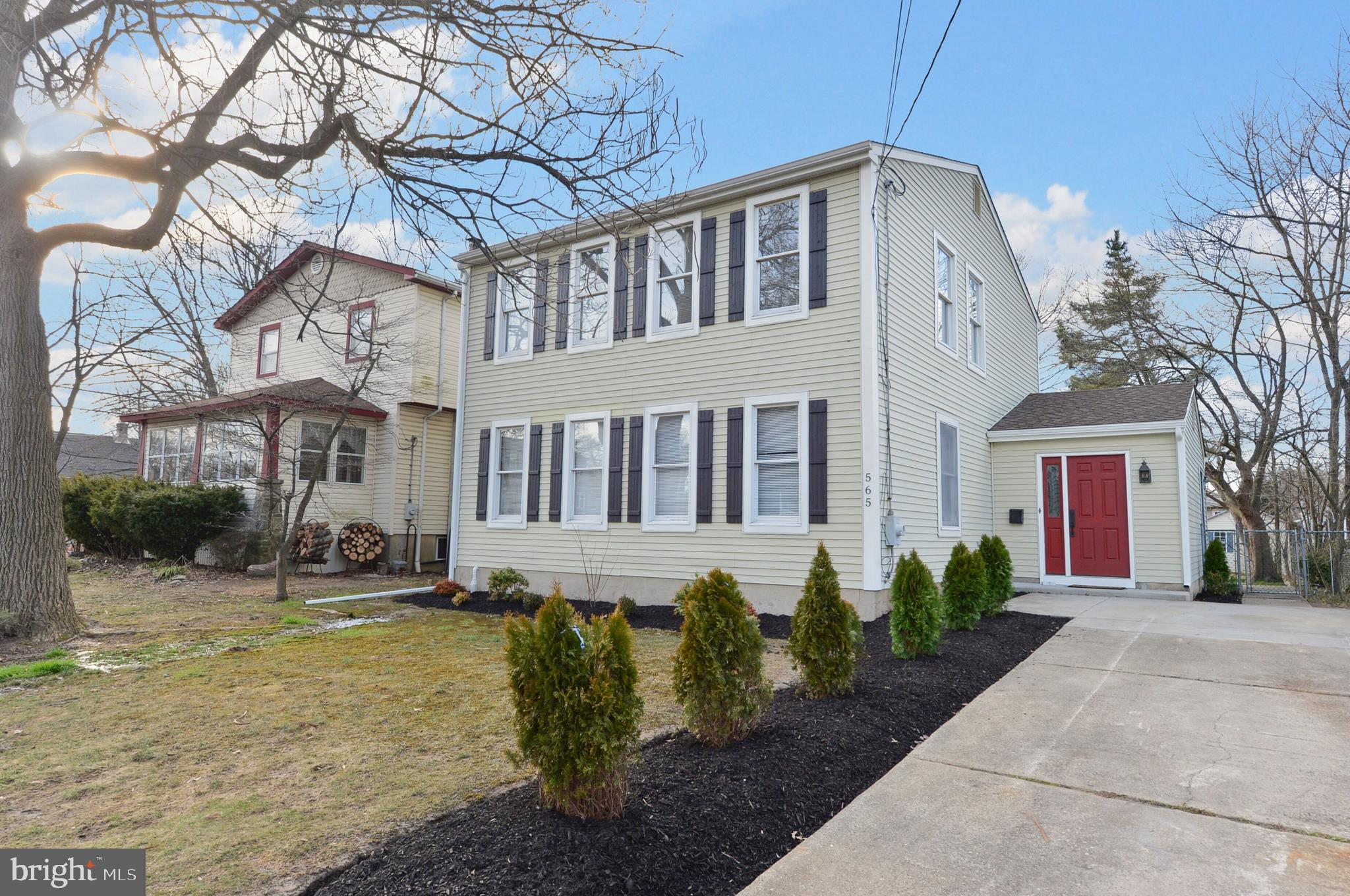 565 W GRAISBURY AVENUE, AUDUBON, NJ 08106