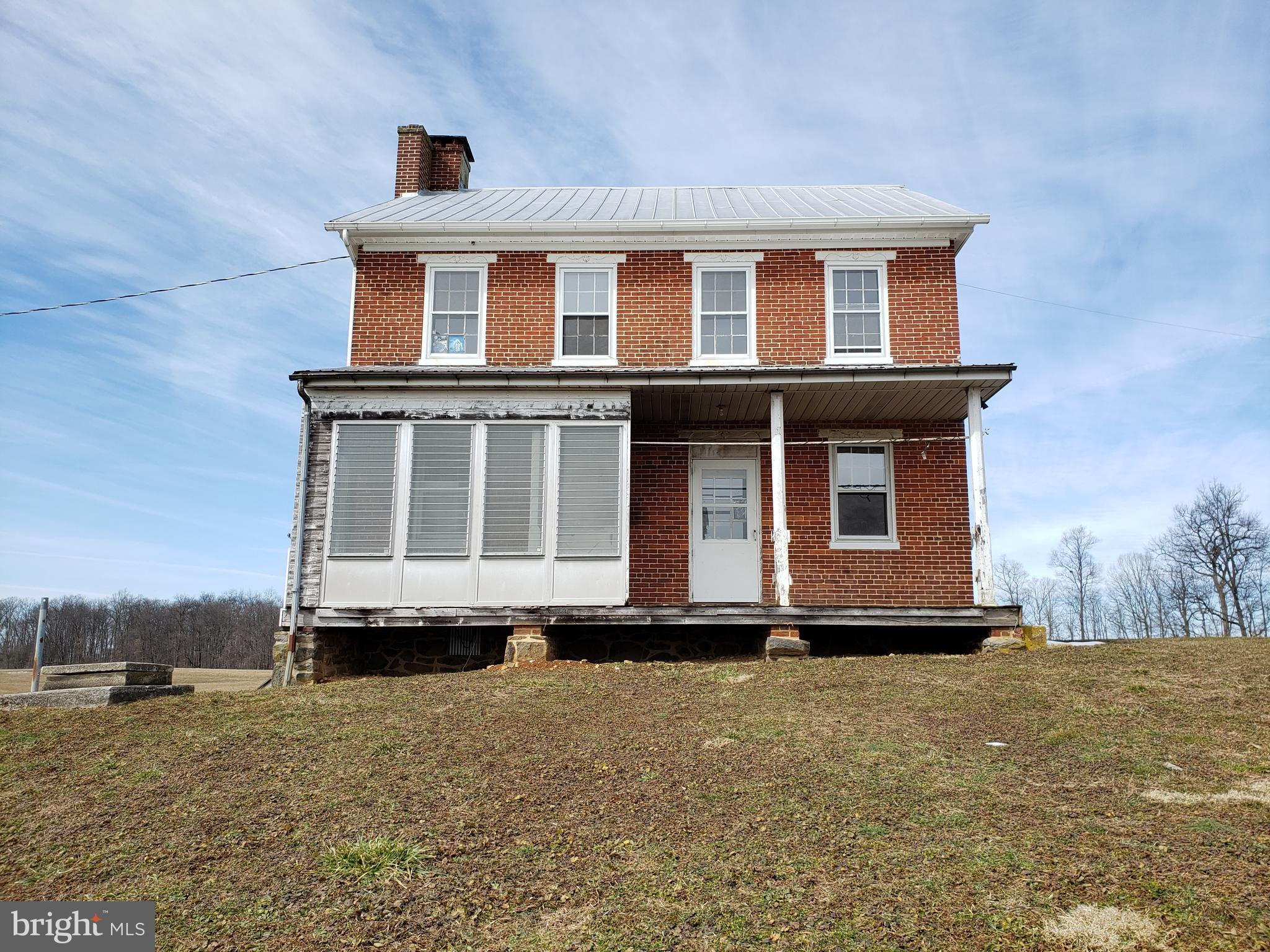 1000 ROUND HILL ROAD, EAST BERLIN, PA 17316