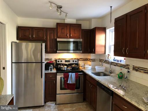 2252 Gunsmith Sq, Reston, VA 20191