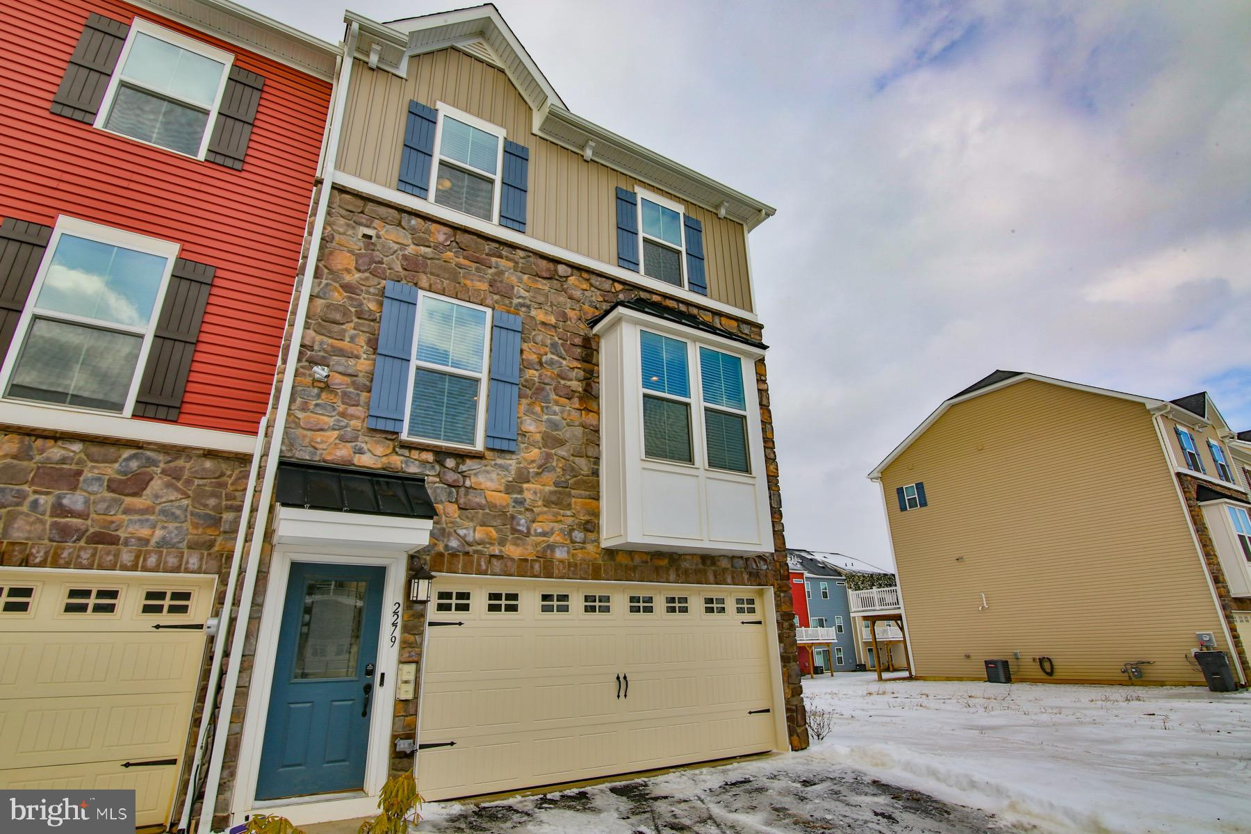 2279 RAYA WAY, EASTON, PA 18045