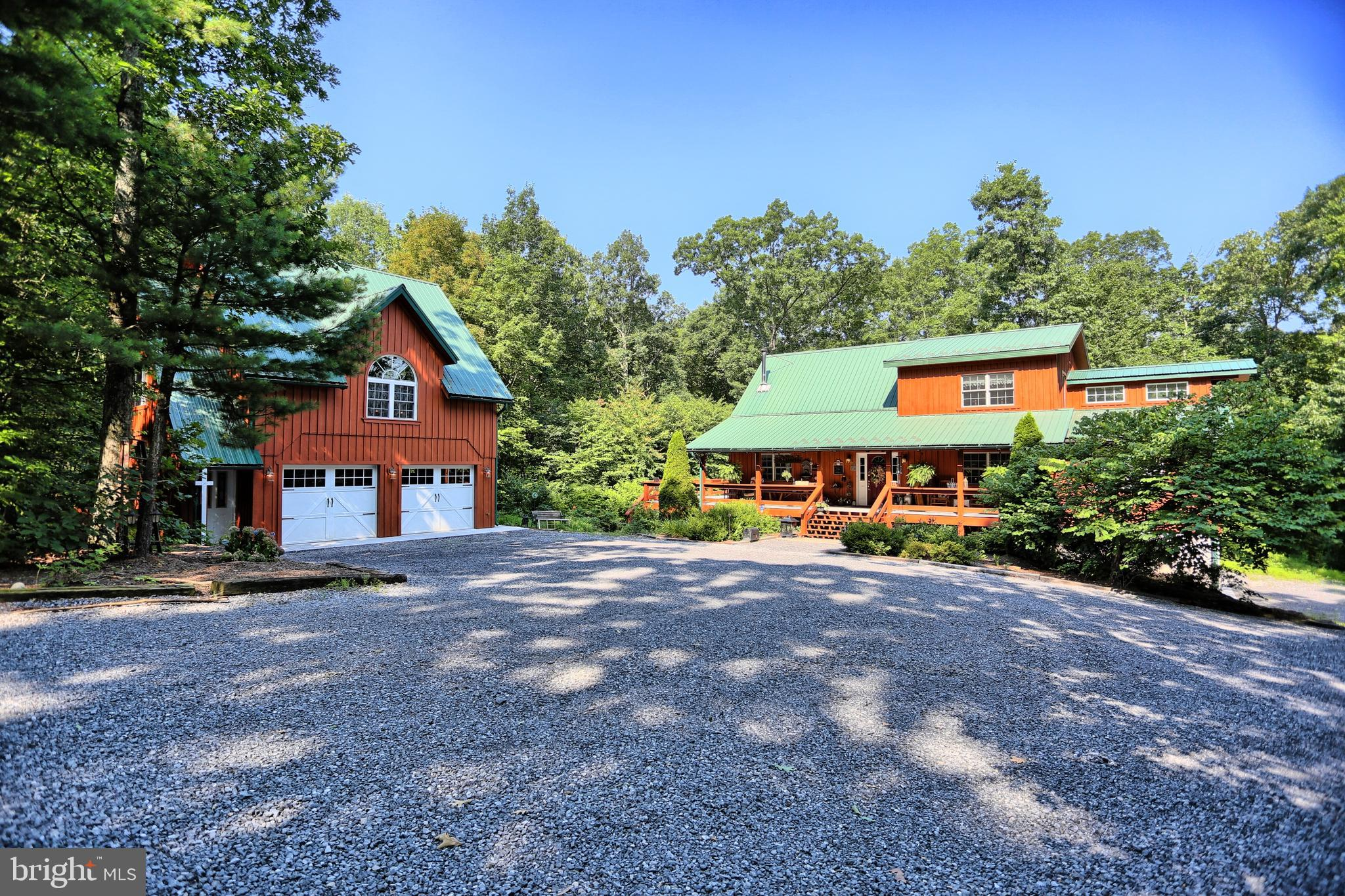 270 COUNTRY LANE, MC CONNELLSBURG, PA 17233