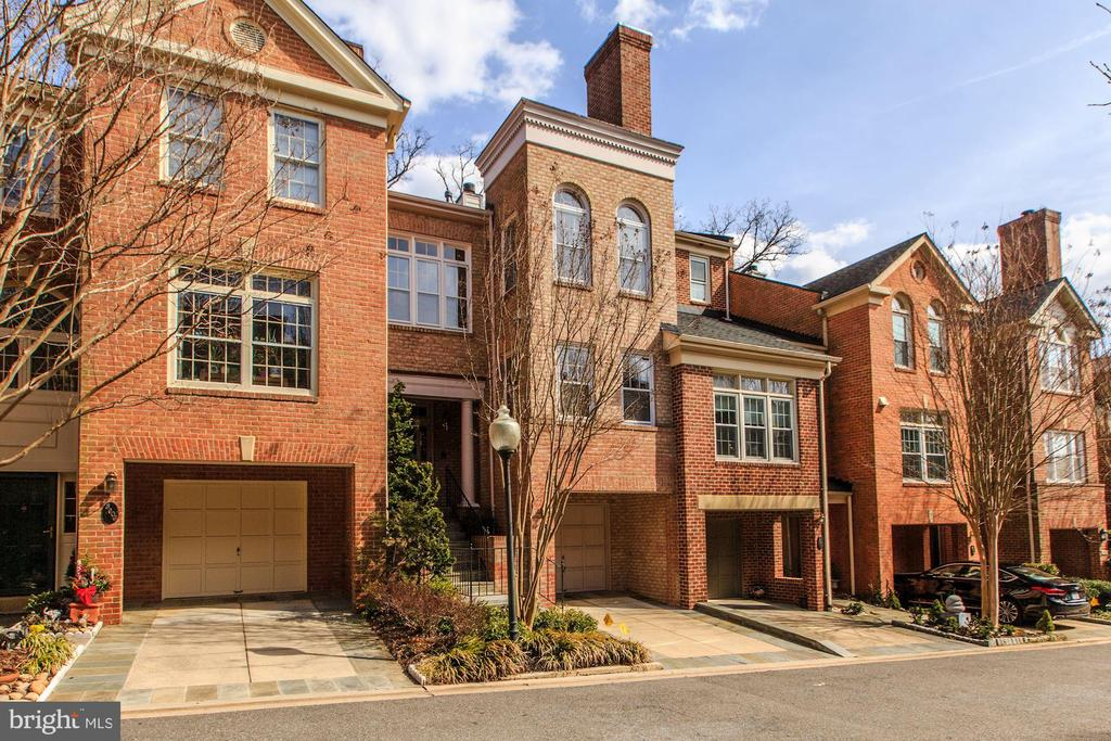 NEW LOOK for this beautiful Hillandale townhome.  4BR/3.5BA and 2FPs.  East/West exposure, gourmet kitchen with table space.  Wonderful Master Suite with renovated bath, newly painted and updated.  Elevator-ready floor plan and close to pedestrian gate for easy walkability to Georgetown.  2-car parking (1 car garage and driveway off street for 1 car).